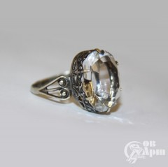 Кольцо со стеклом
